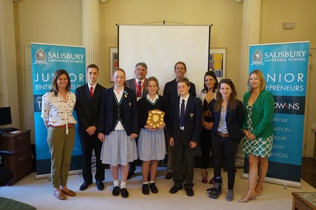 Junior Entrepreneurs winners resized